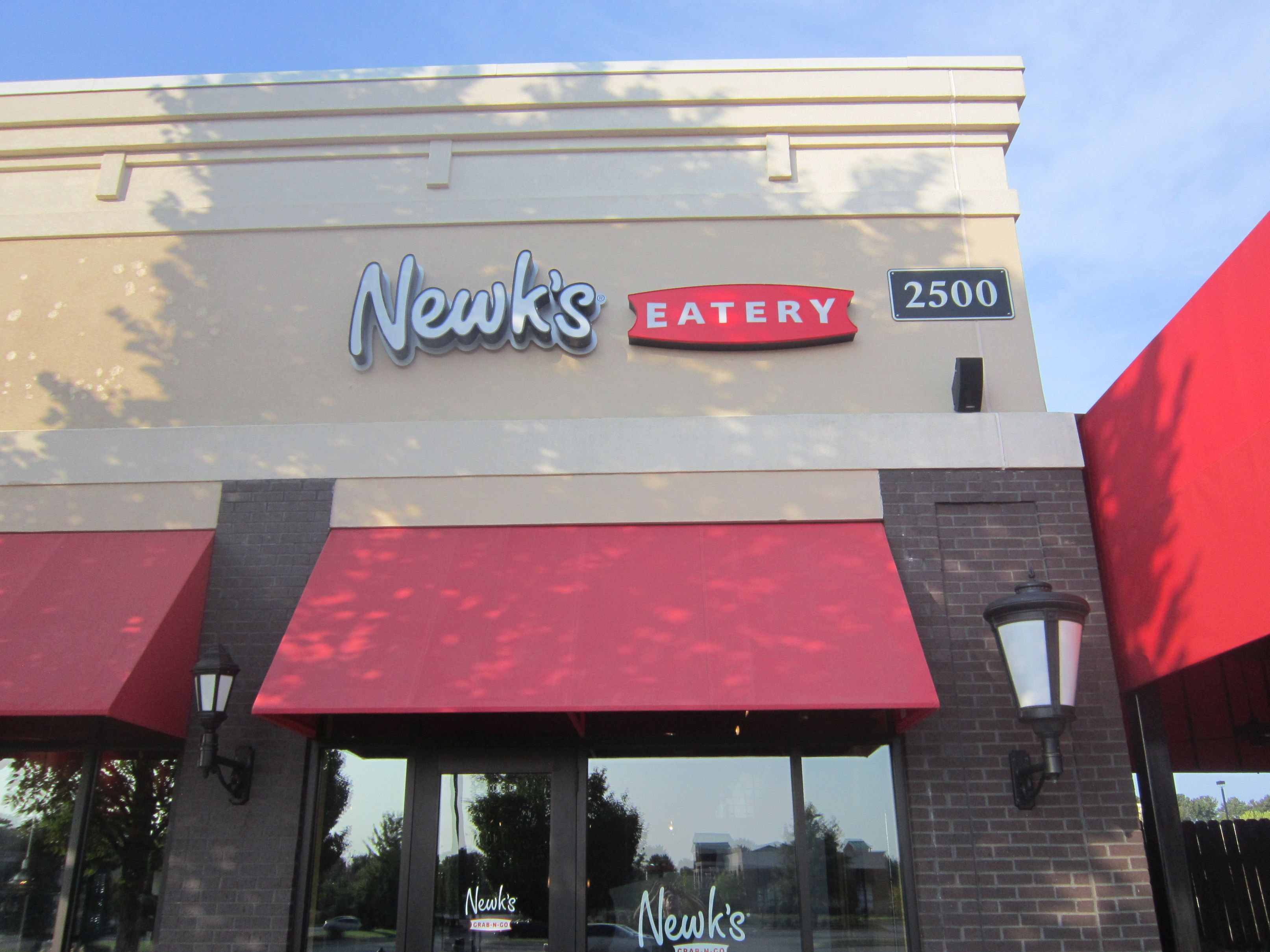 Newk's front elevation